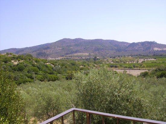 Agriturismo Nurazzolas: panorama da terrazzino/finestra