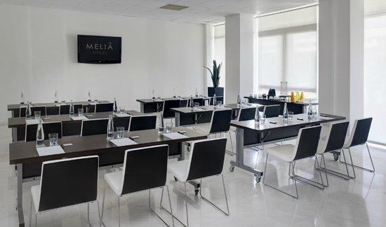 Melia Sitges: Sala Barcelona Montaje Escuela