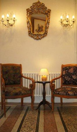Hotel Montsegur : entrée