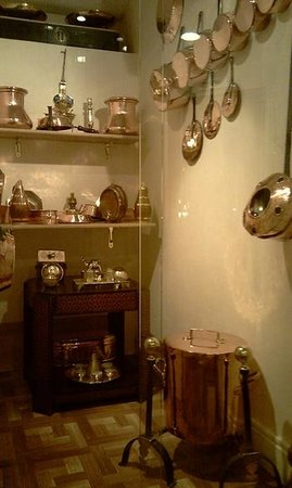 Hotel Montsegur : Deux cents ans de cuivre familiaux