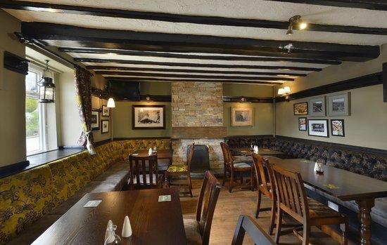 The Rising Sun Inn Restaurant: 2nd fire place