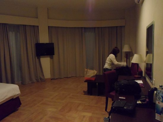 Kuta Central Park Hotel: the room