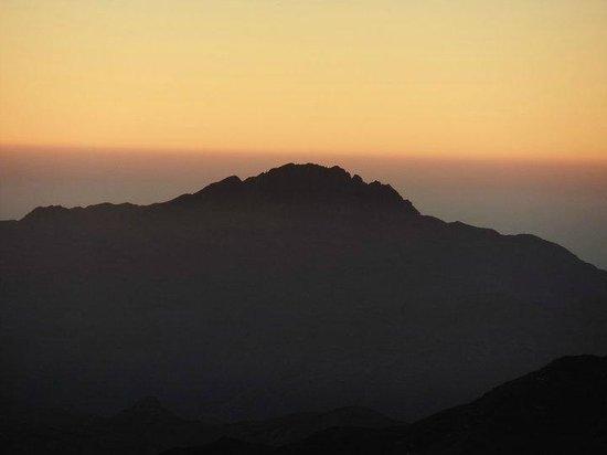 Dahab Resort: Sunrise on Mount Sinai