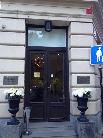 Wedholms Fisk: Elegant entrance