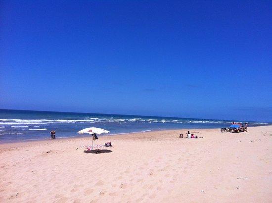 Arohaz Hotel: playa zahora