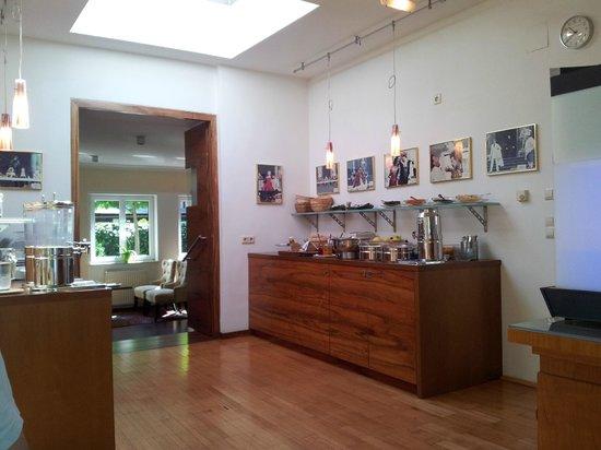 Hotel Jedermann: breakfast room