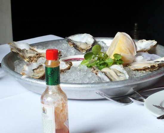 Super fresh and tender oysters