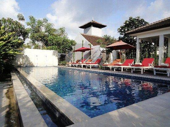 Ivory Resort Seminyak: プール