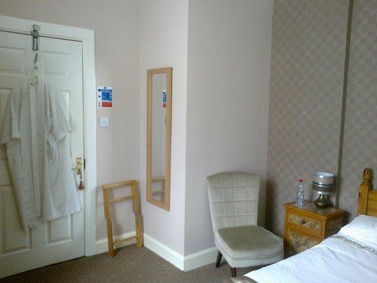 Braidwood Guest House: My Room
