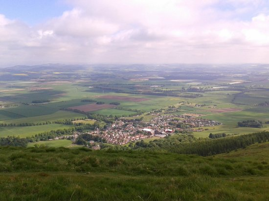 The Covenanter Hotel: Falkland Village from the top of East Lomond Hill