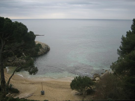 Salles Hotel & Spa Cala del Pi: la petite crique privée de l'hotel en été ça doit être mieux !
