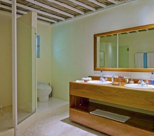 Hotel Piratas del Caribe: Cuarto de baño suite junior