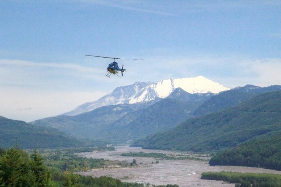 Fire Mountain Grill at Hoffstadt Bluffs Visitor Center : helicopter tour