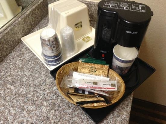 BEST WESTERN Heritage Inn: Single serve coffee maker