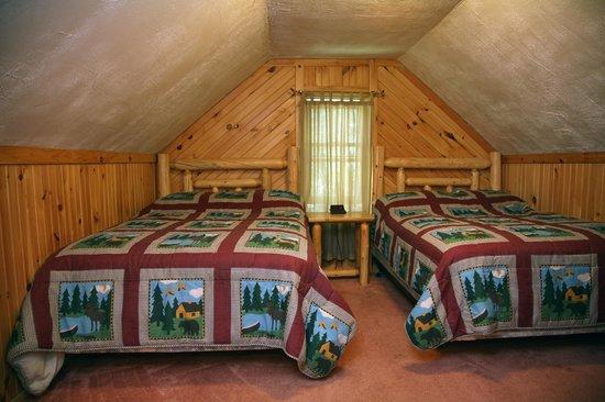Sleeping Bear Resort: Bear's Den Bedroom