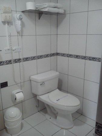 Hotel LLaqta: Baño