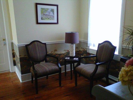 Sweet Magnolia House B&B : Sitting area