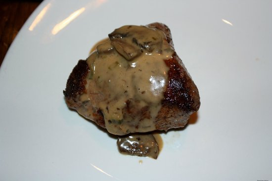 Outback Steakhouse : Sirloin with Wild Mushroom Sauce