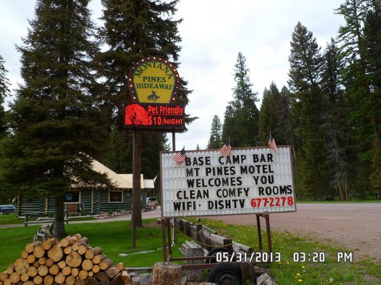 Montana Pines Motel Sign For