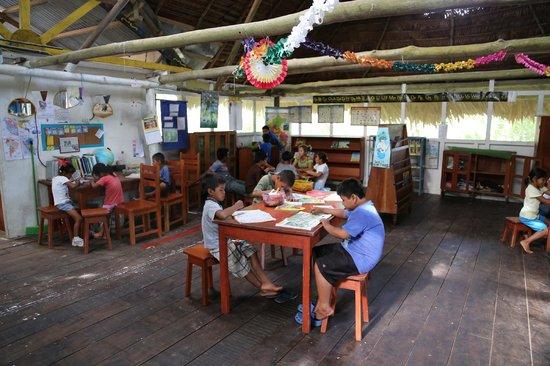 Amazon Explorama Lodges : children's library