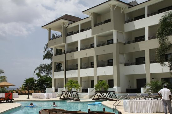 Secrets Wild Orchid Montego Bay: Swim-up rooms and Oceanview rooms