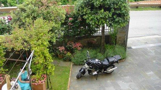 Villa Marsili Hotel: Per i Motociclisti non cè problema di parcheggio