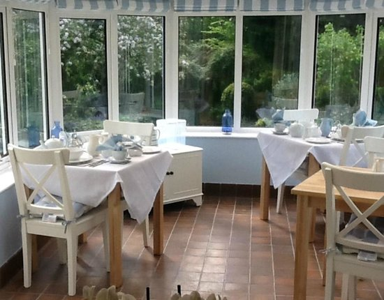 West Tyning Bed & Breakfast: The Breakfast Room