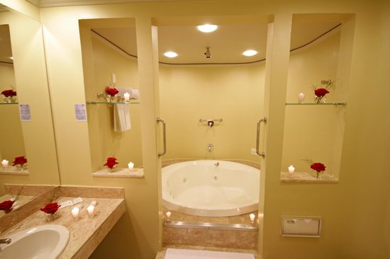 Banheiro Suite  Foto de San Michel Hotel, São Paulo  TripAdvisor -> Banheiro De Hotel Com Banheira