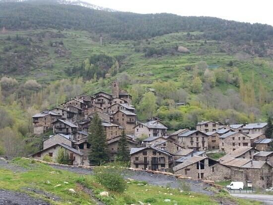 Hotel Os de Civis: vue du village