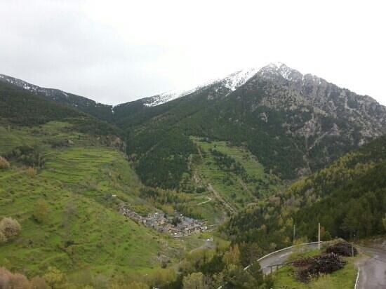 Hotel Os de Civis: vue sur la montagne