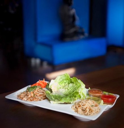 Blue Sushi Sake Grill : Chicken Lettuce Wraps
