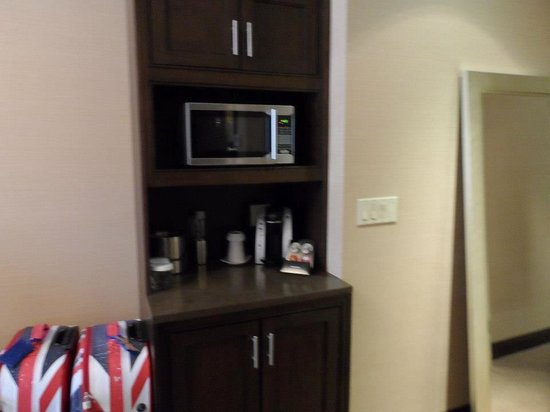 The Pearl Hotel: cofffee, microwave & fridge