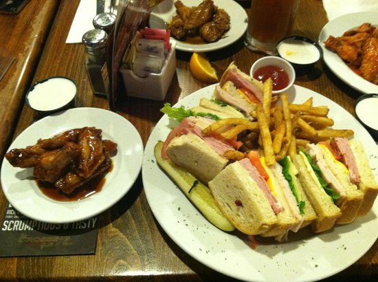 The Crossing Grill & Bar: Club Sandwich and Wings - YUM