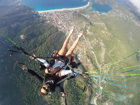 Oludeniz, Turquía: Imagine yourself as a bird.You spread your wings and take flight!