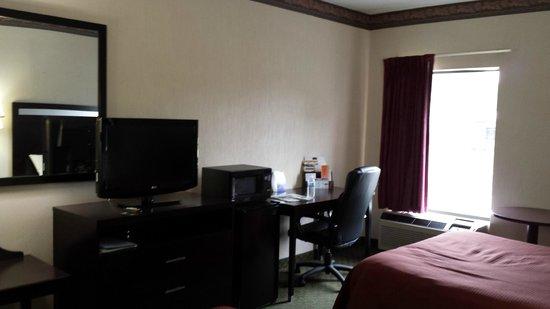 Howard Johnson Express Inn - Beckley: Room