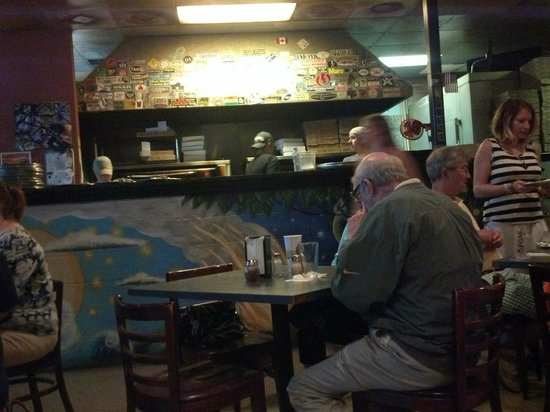 Moon River Pizza : Cool Atmosphere Here