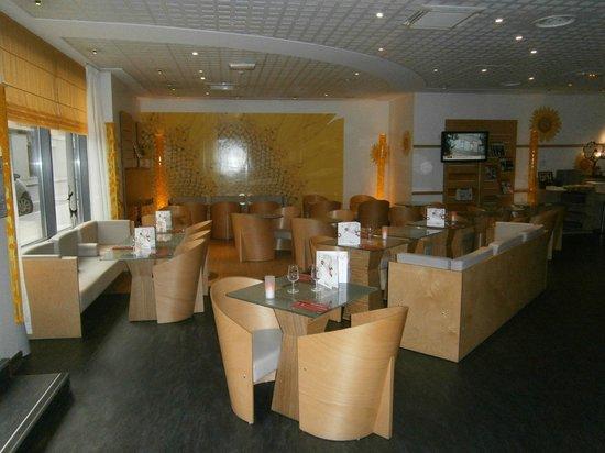 Ibis Bordeaux Centre Bastide : Dining area