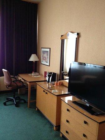Hotel Royal William: coin travail dans la chambre