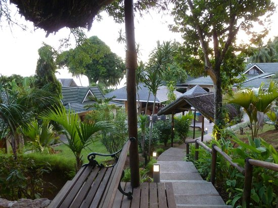 Coco de Mer - Black Parrot Suites: Gardens