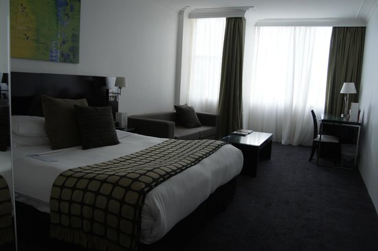 Rydges Sydney Central: bed room