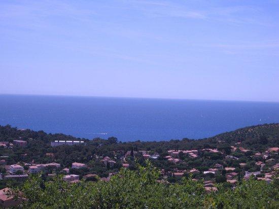 Hotel Restaurant Residence Beach: Vue sur la baie de Cavalaire