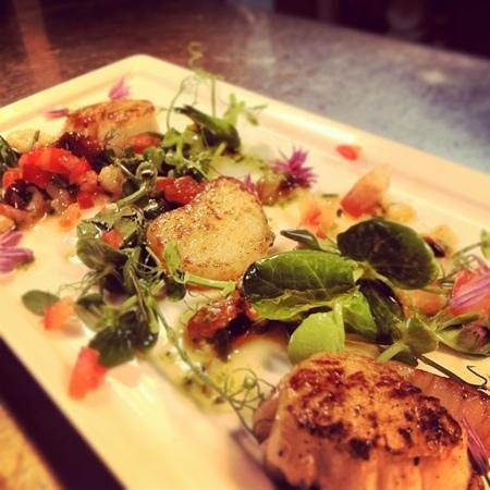 The Waggoners: pan Seared Scallop salad