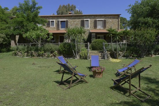 Agriturismo Serignano alle Rocchette: Apartments GREEN and BLUE with garden