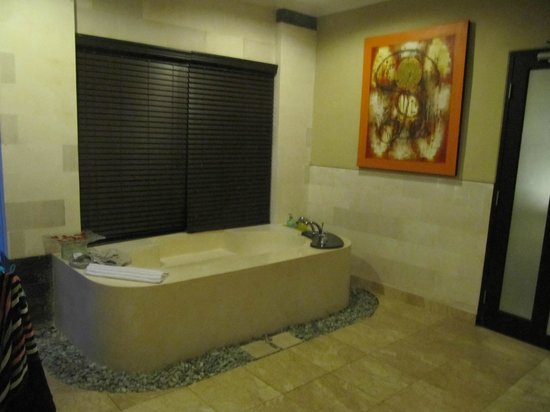Nike Villas: bathroom