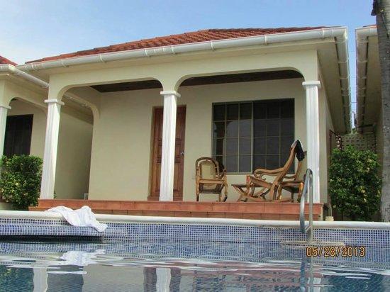 Casa Canada: Cabana 4 by the infinity pool