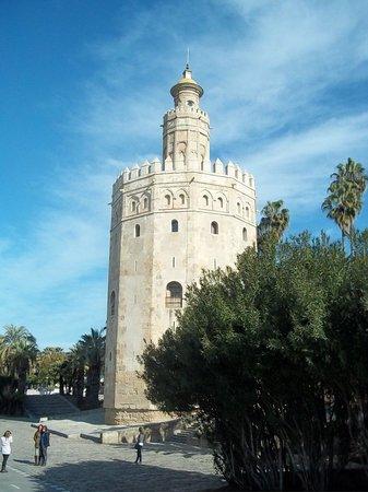Hotel Madrid de Sevilla: Toro d'Oro ( The Golden tower)