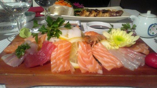 Gindalle : Sashimis (& Bulgogi en arrière plant)