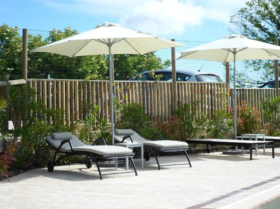 Boutique Hotel Leone: Pool area