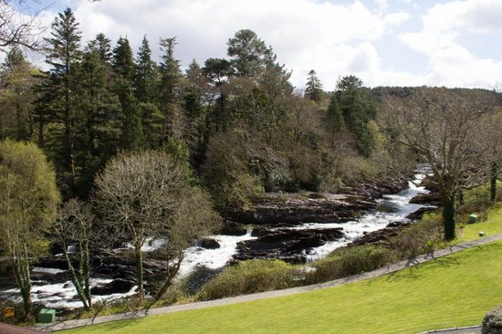 Sheen Falls Lodge: View of falls from balcony