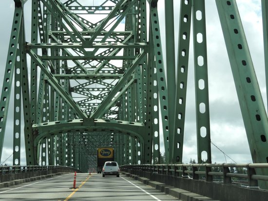 Astoria-Megler Bridge: Astoria side bridge structure